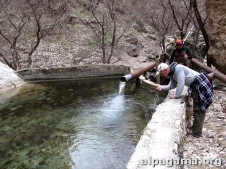 Источник в верховьях Дарай-Дере