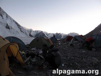 Первый лагерь (4200 метров). Как мы оказались на вершине Хан-Тенгри