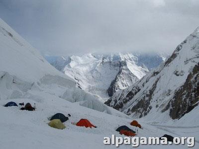 Второй лагерь (5300 метров). Как мы оказались на вершине Хан-Тенгри