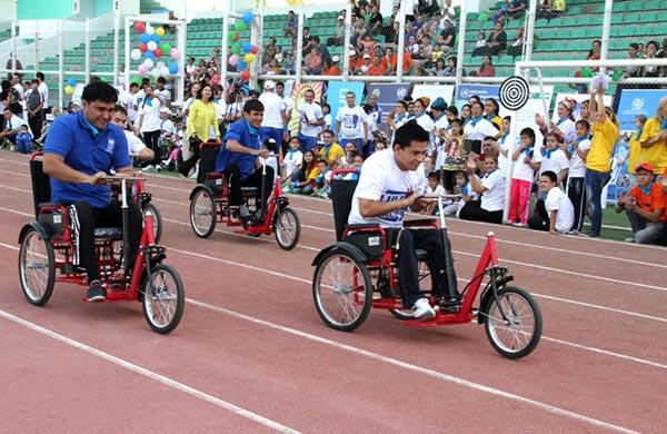 На стадионе «Копетдаг» состоялись соревнования спортсменов-инвалидов