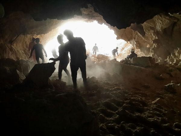 Пещеры Большого Балхана