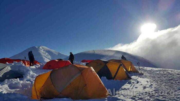 Раздельная 6100м Третий высотный лагерь