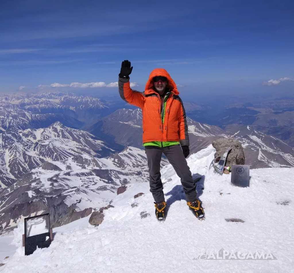 Алекпер Ахмедов на вершине Эльбруса
