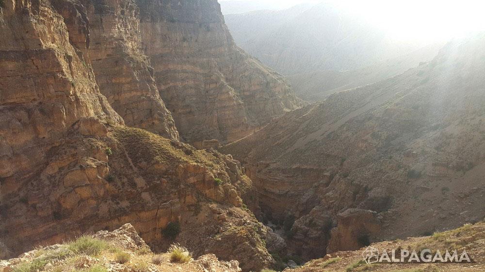 Вид со скалодрома на ущелье Дюзмерген
