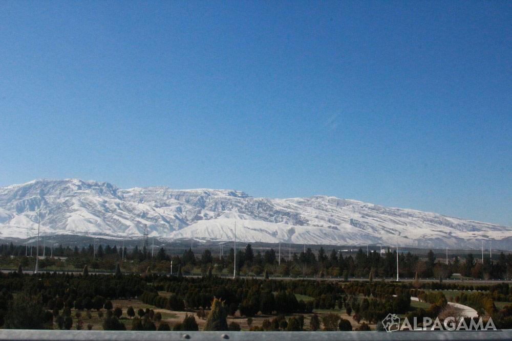 Панорама снежного Копетдага