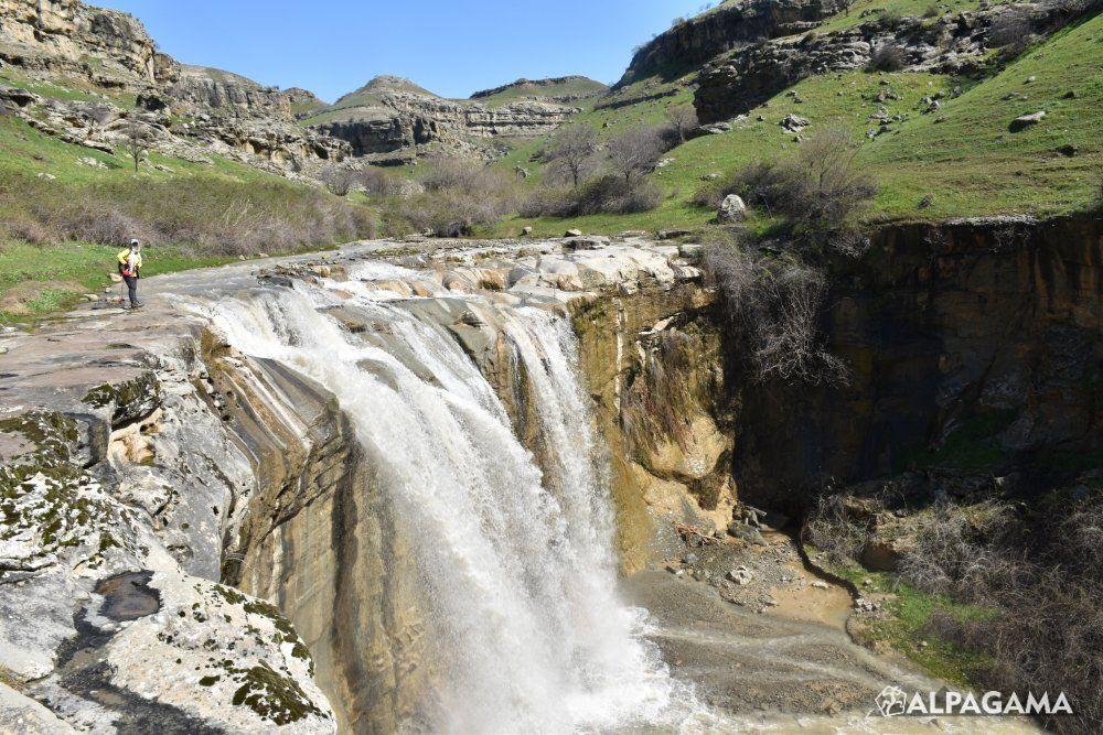 Водопад Гочдемир