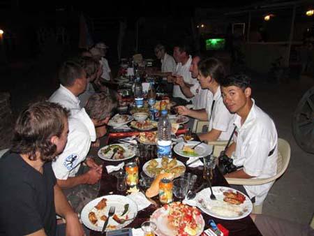 Праздничный ужин. Большой отчет о большой экпедиции (Арарат-2012)