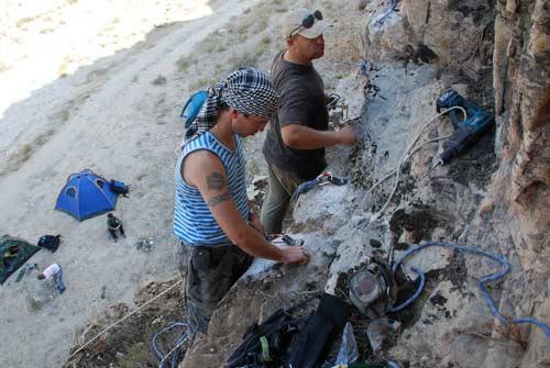 Подготовка скалодрома в на юге Большого Балхана
