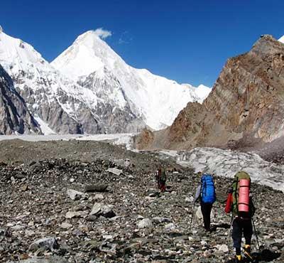 Туркменская команда альпинистов взошла на семитысячник в Тянь-Шане