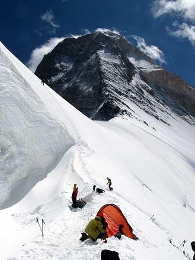 Третий высотный лагерь (5800 м.)