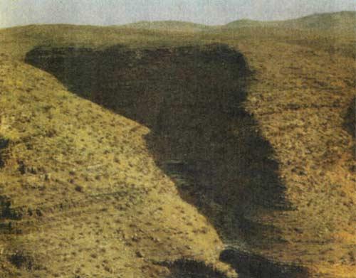 Красноярцы разбили лагерь на дне каньона рядом с «Кунсткамерой»