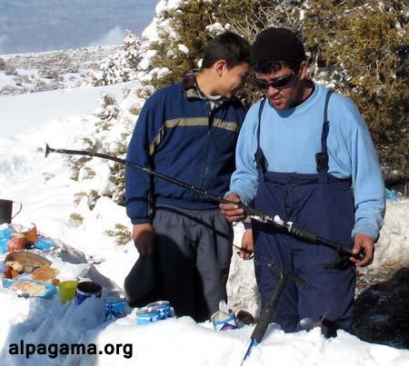 Использовать недорогие палки для лыжни - верный способ быстро погнуть.. Трекинговые палки