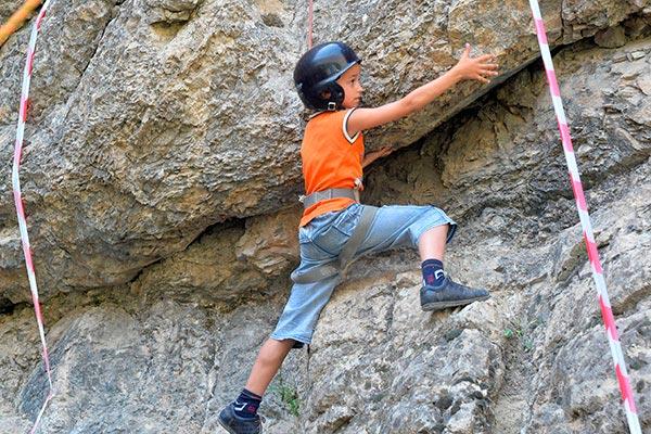 В Арчабилском ущелье состоялся десятый Детский фестиваль по скалолазанию