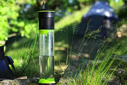 Бутылка, конденсирующая воду из воздуха для путешественников разработана в Австрии