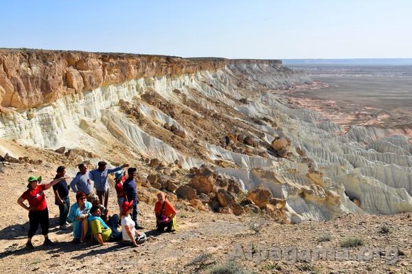 Вид сверху на каньоны Янги-Кала