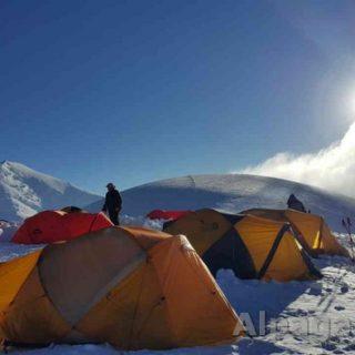 Раздельная 6100м Третьий высотный лагерь