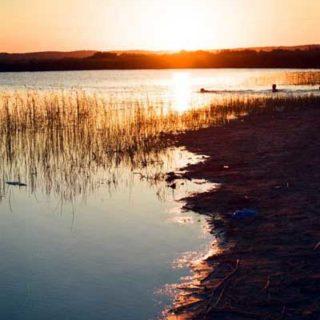 Пресное озеро Ясхан в Каракумах
