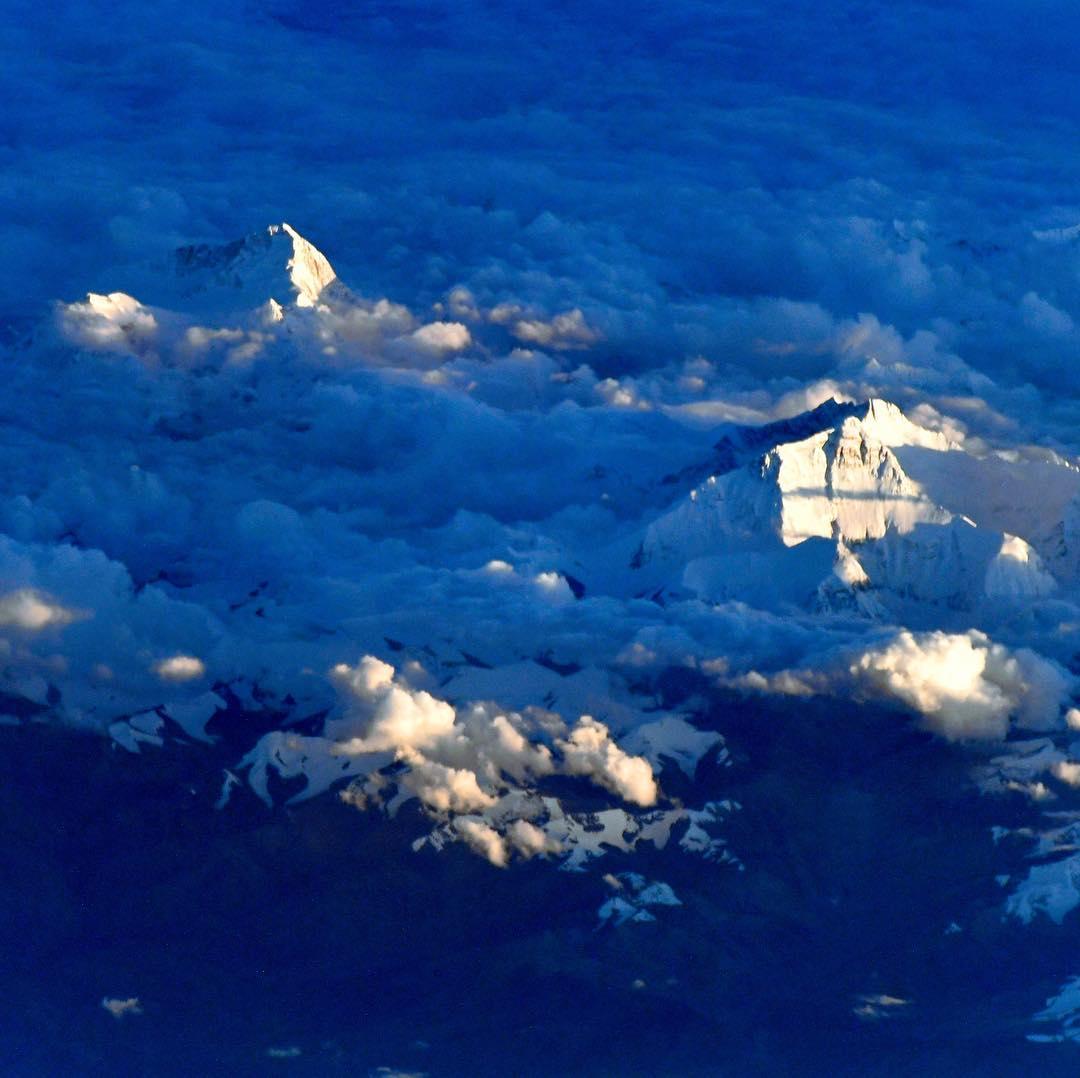 Эверест из космоса (Фото: Сергей Рязанский, Роскосмос) 2017 г.