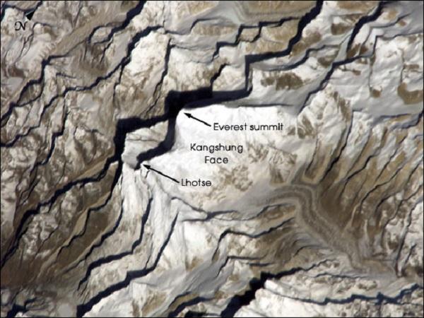 Эверест из космоса