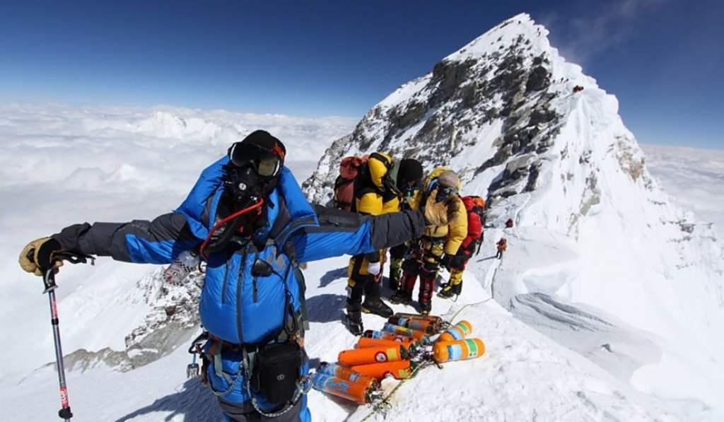 Высотные испытания на Эвересте, над 8 тысячами метров - «зона смерти»