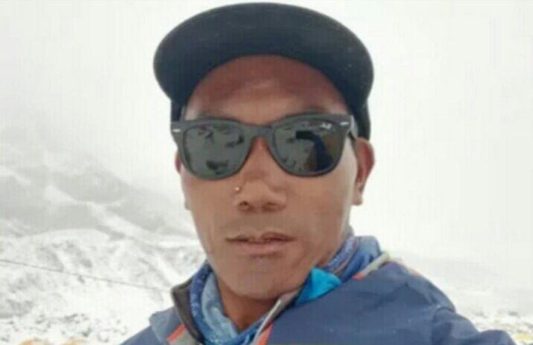 Ками Рита побывал на вершине Эвереста 24 раза