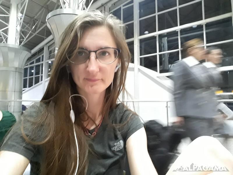 Выжившая я в аэропорту