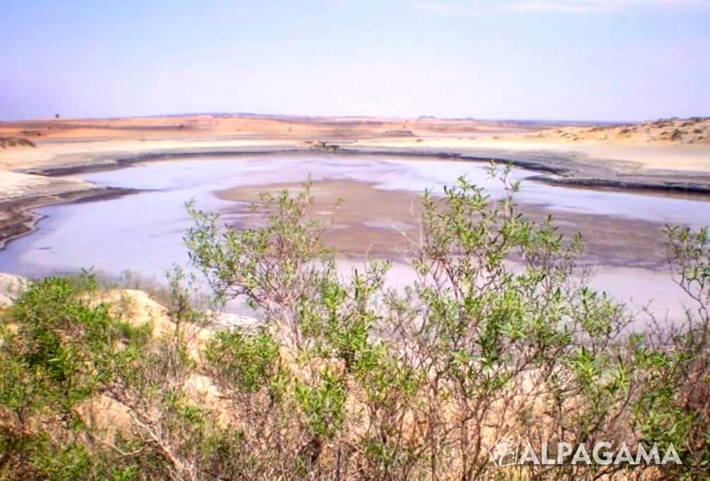 Озеро Розовый Порсугель на полуострове Челекен
