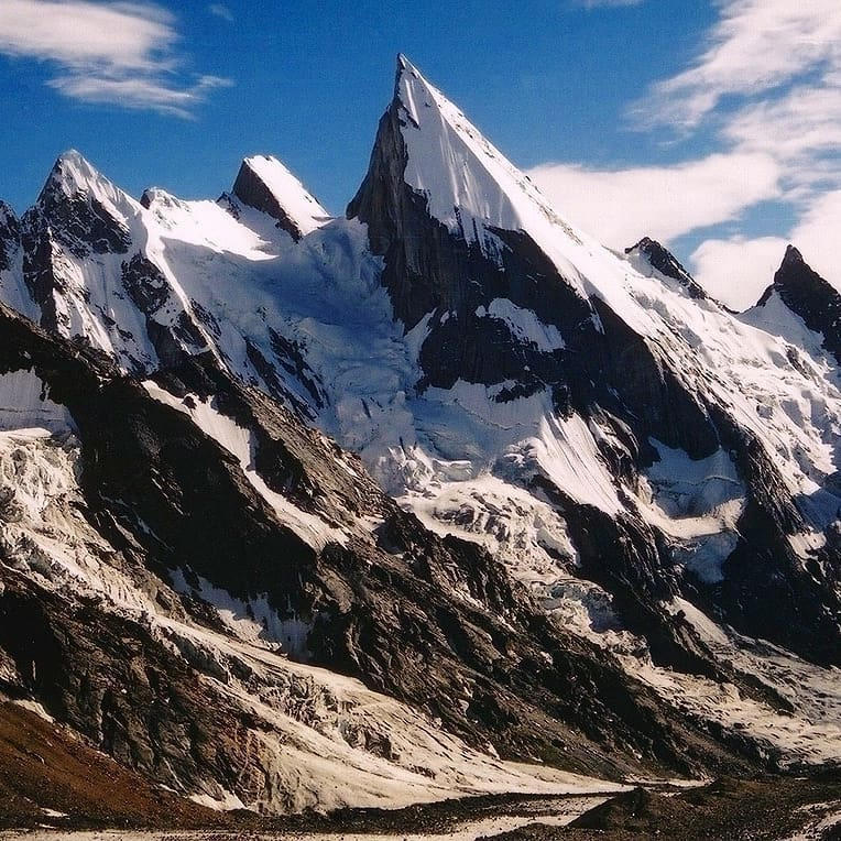 Лайла Пик (6096 м)