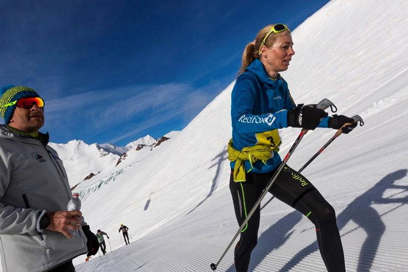 Елены Кравченко победила в Вертикальном километре на Red Fox Elbrus Race (фото: Павел Сухоруков)
