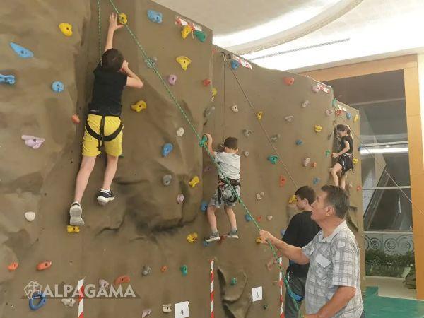 «Агама» проводит скалолазные тренировки в «Алеме»