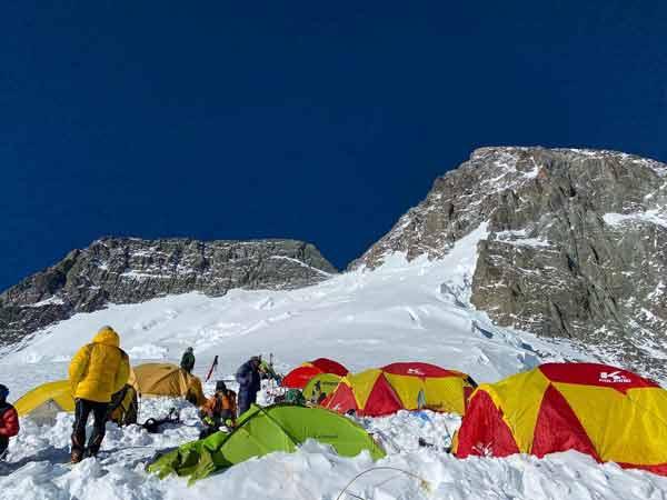 Третий лагерь на Броуд-Пик (фото: Исрафил Ашурли)