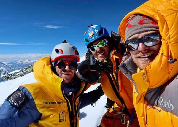 Освальд Родриго Перейра с Уго Аявири и Нильсом Йесперсом на вершине Брод-Пик (фото: Освальд Родриго Перейра)