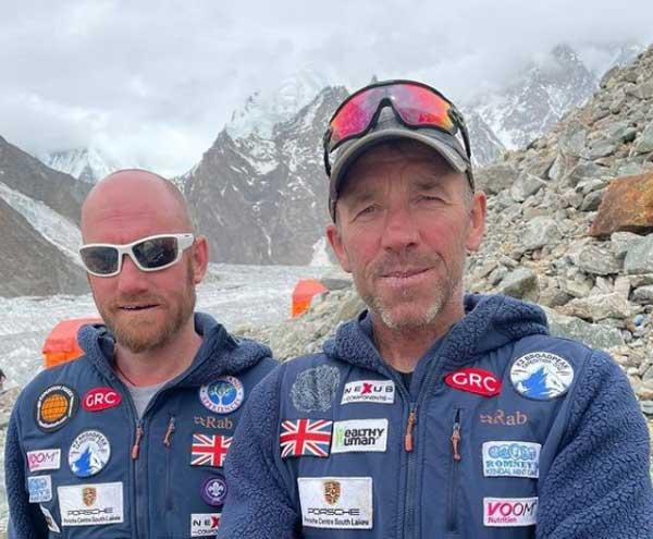 Пол Этеридж и Пит Бриттлтон в базовом лагере Броуд-Пик