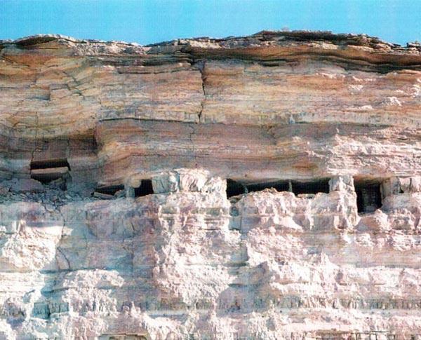 Пещеры Сарыкамыша: петроглифы и пять слоев циновок