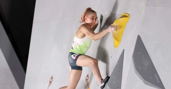 Первая олимпийская чемпионка в скалолазании Янья Гарнбрет (Словения)