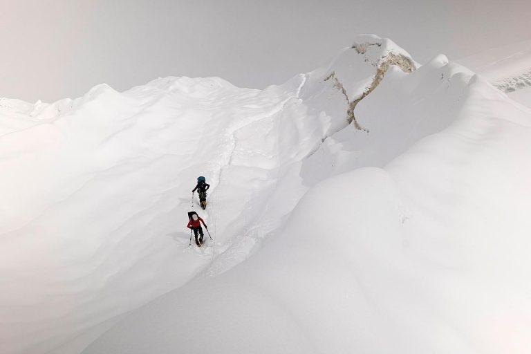 Карлос Сория и шерпа на маршруте на Дхаулагири (фото: Luis Miguel Soriano)