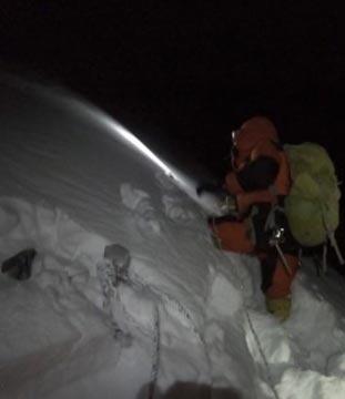 Глубокий снег от лагеря 3 до вершины Дхаулагири (фото: Лакпа Денди)